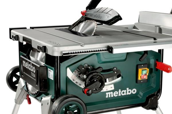 Stołowa pilarka tarczowa Metabo TS 254 z podstawą i funkcją wózka 600668000