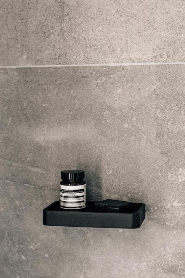 Menu BATH Półka Prysznicowa Czarna z Marmurowym Blatem