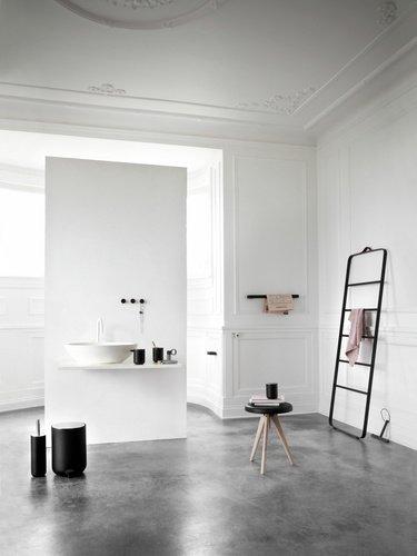 Menu BATH Reling Łazienkowy na Ręczniki - Czarny - Mocowanie Srebrne