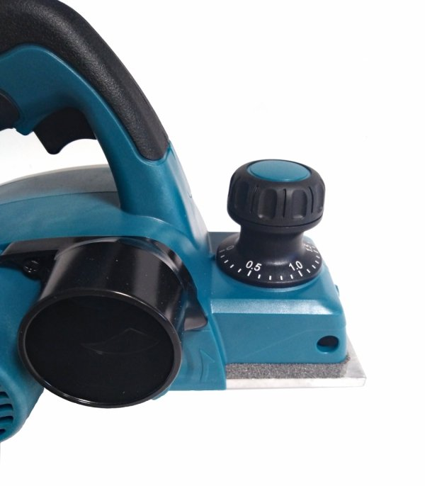 STRUG 620W 82MM KP0800 MAKITA
