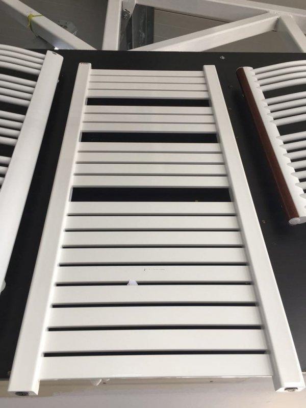 Enix Hiacynt H-612 555x1180 biały Grzejnik łazienkowy