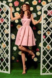 Rozkloszowana sukienka L257 pudrowy róż