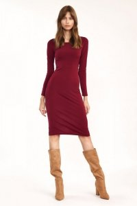Bordowa dopasowana sukienka - S192