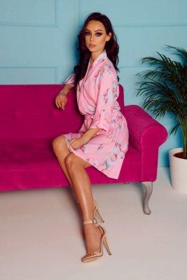 Kopertowa sukienka z dekoltem wzory L301 pudrowy róż