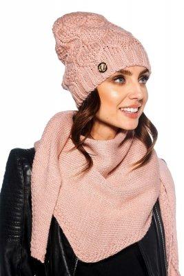 Komplet czapka i szalik o kroju chusty LC110 pudrowy róż