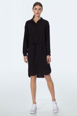 Zwiewna czarna sukienka z wiązaniem w talii  - S163