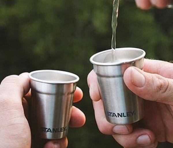 Zestaw STANLEY piersiówka Adventure Steel Shots Flask Gift Set czarny