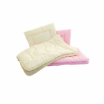 Antyalergiczna kołdra 90x120 + antyalergiczna poduszka 40 x 60. Komplet całoroczny dla dziecka w kolorze różowym