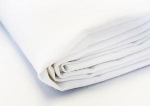 Białe bawełniane prześcieradło bez gumki 220x240 cm. Prześcieradło 220x240 cm Polpuch