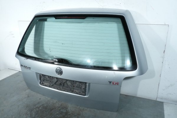 Klapa bagażnika tył Volkswaen Passat B5 2001 (Kod lakieru: A7W)