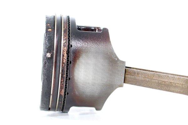 Tłok korbowód - Suzuki - Swift - zdjęcie 2