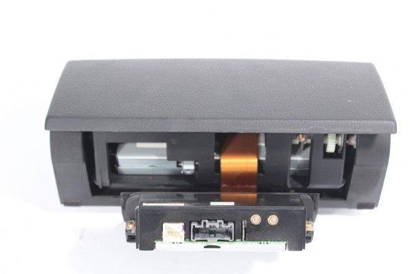 DVD wyświetlacz czytnik pilot monitor Mazda 6 GG 2002