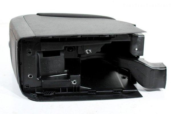 Podłokietnik przetwornica 230V VW Golf VI 5K 2012 Kombi