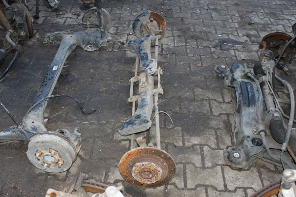 Ława belka zawieszenia tył - Toyota - Corolla - zdjęcie 4