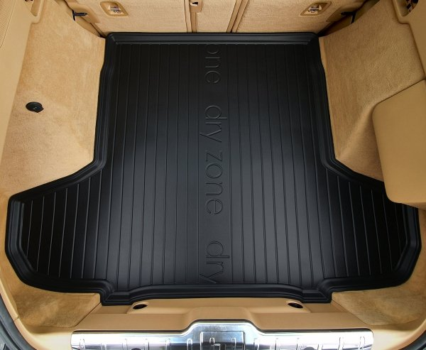 Mata bagażnika BMW X4 F26 2014-2018 z wycięciem na plastkowy schowek