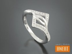 CALIENTE CRYSTAL srebrny pierścionek z cyrkoniami roz. 11