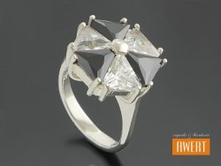 ALICIA CRYSTAL srebrny pierścionek z cyrkoniami roz.14