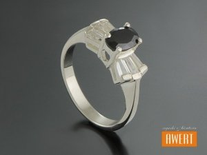BESKA CRYSTAL srebrny pierścionek z cyrkoniami roz.14