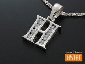 Literka H wisiorek srebrny z cyrkoniami