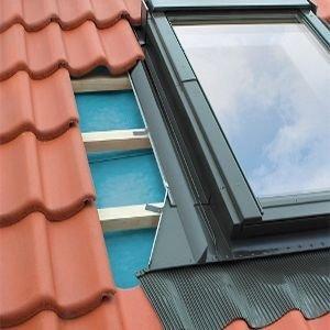 Eindeckrahmen Fakro EHN-P für hochprofilierte Eindeckmaterialien www.house-4u.eu
