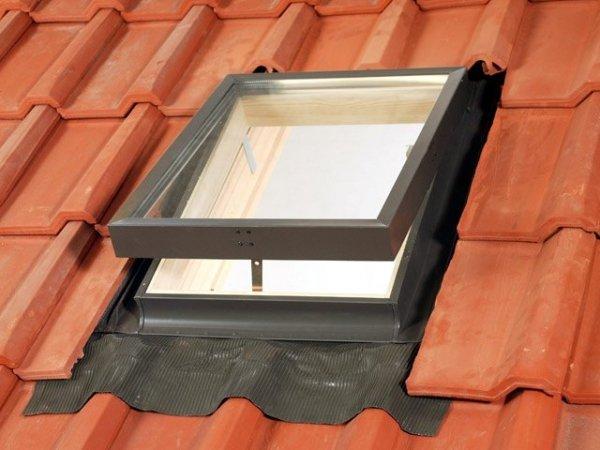 Ausstiegsfenster Velux VELTA 033 85x85 für ungeheizte Räume