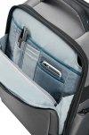 Plecak posiada przednia kieszeń na małe akcesoria