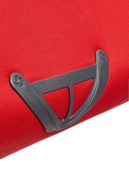Bagaż posiada zabezpieczenie u spodu przed otarciami
