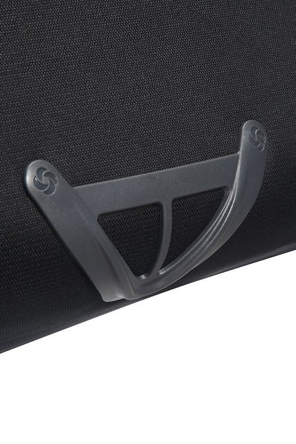 U dołu bagażu znajduje się zabezpieczenie przed otarciami