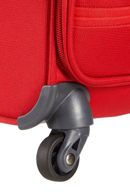 Bagaż posiada cztery mocne obrotowe koła