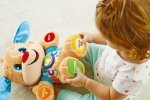 Szczeniaczek Uczniaczek – najlepsza interaktywna przytulanka