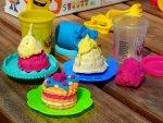 Wyczaruj pączki, pączuszki i inne smakołyki z ciastoliną Play-Doh