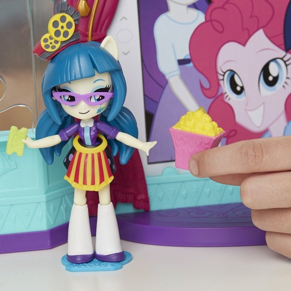 Zestaw kinowy z lalką Equestria Girls