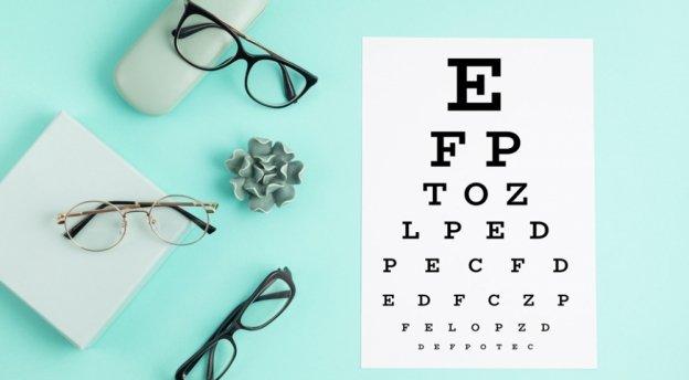 Kiedy należy wymienić okulary? – poradnik dla okularników