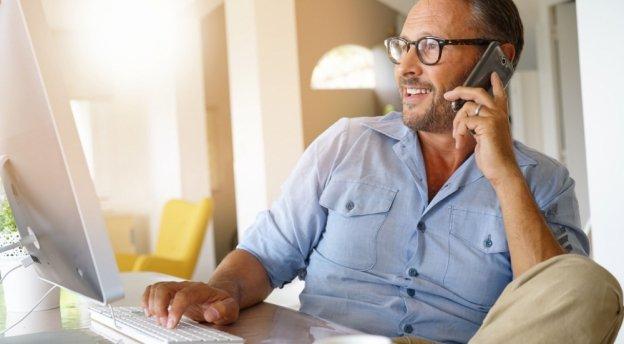 Okulary do pracy biurowej - dla kogo i jak wybrać właściwe?