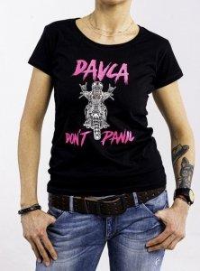 DAVCA T-shirt lady don't panic