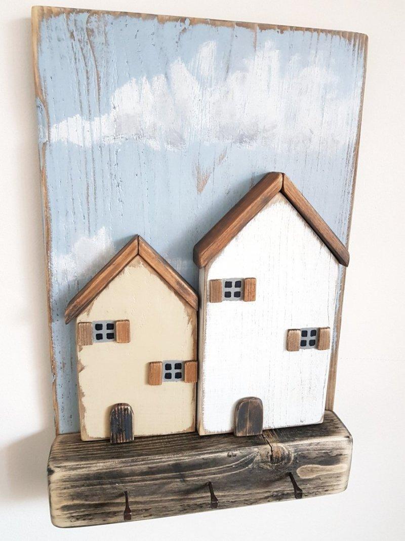 Drewniany wieszak na klucze domy
