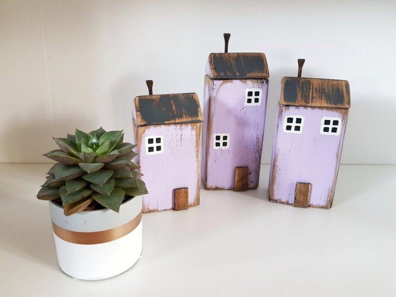 Drewniany domek lawenda
