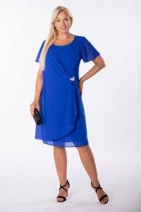 szyfonowa sukienka z broszką