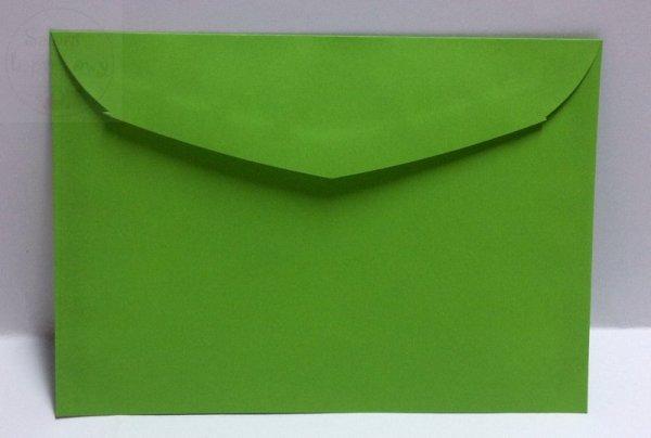 Koperta w kolorze zielonym o wymiar. 17,5 x 12,5cm