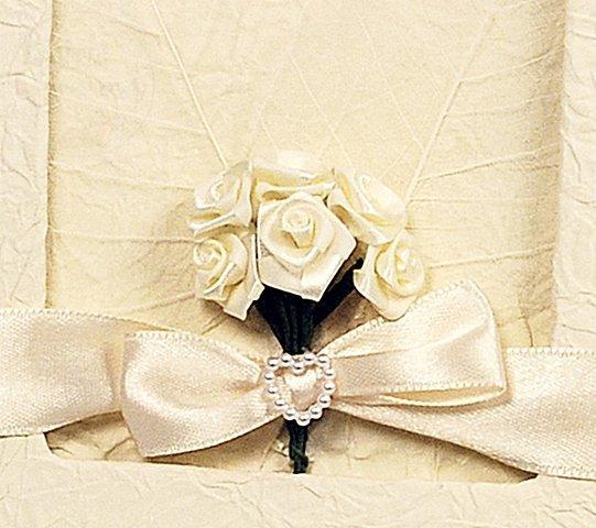 Księga gości weselnych z kremowymi różyczkami KWP8