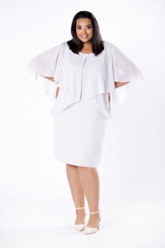 dopasowana sukienka z tiulową narzutką i biżuteryjną ozdobą przy dekolcie