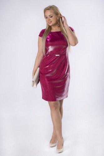 brokatowa sukienka z klamerką w pasie