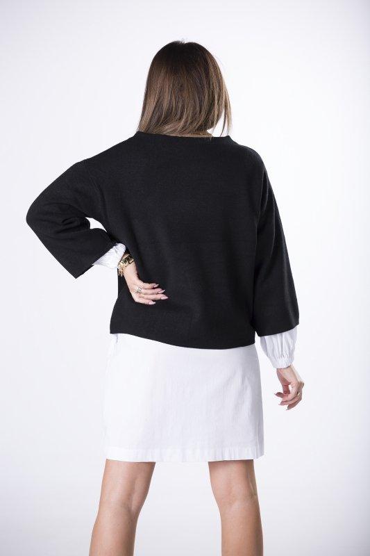 sweter z szerokimi rękawami