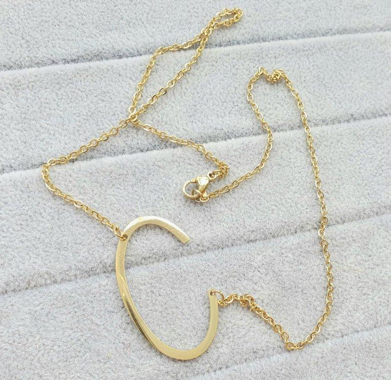 2257 Złoty łańcuszek celebrytka naszyjnik literka C stal chirurgiczna