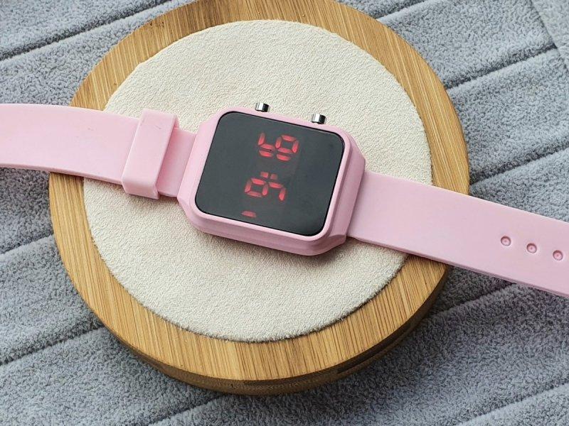 2458 Zegarek sylikonowy elektroniczny gumowy Kurren