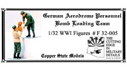 Copper State Models F32-005 German aerodrome personnel bomb loading 1:32
