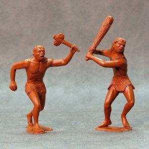 Ark Models 80010 Cavemen, set of two figures #1 150mm