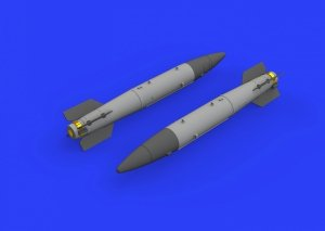 Eduard 672215 B43-1 Nuclear Weapon w/ SC43-4/ -7 tail assembly 1/72