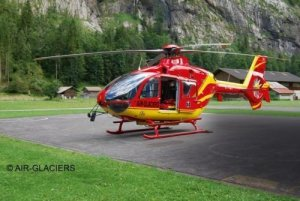 Revell 04986 Airbus Helicopters EC135 AIR-GLACIERS 1/72