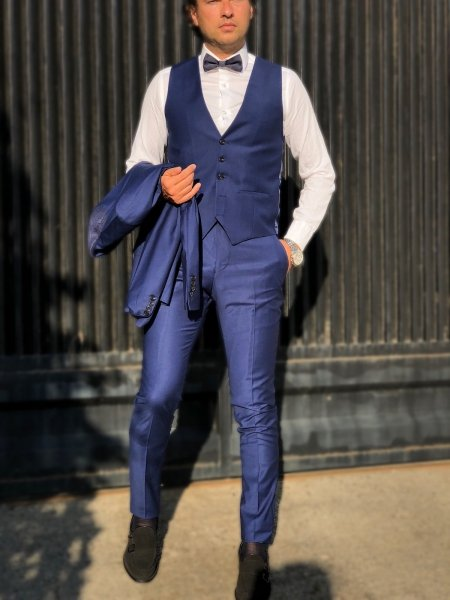 Abito uomo blu elettrico, con gilet